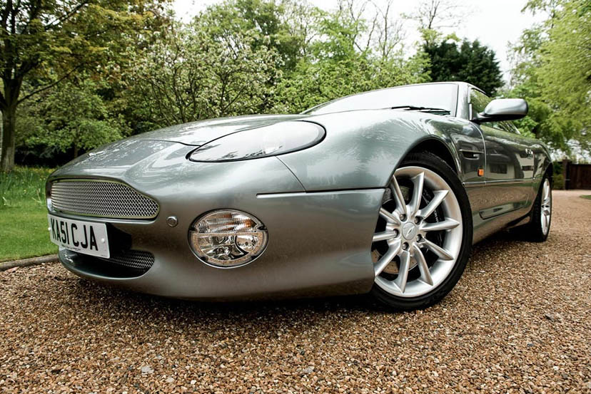 Image of an Aston Martin DB7 Vantage